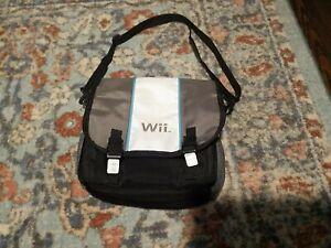 Nintendo Wii  / U Console Messenger Carry Bag Silver & White