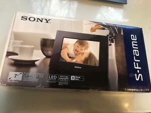 """Sony S Frame DPF D710 Digital Photo Frame Black 7"""" LED Backlight"""