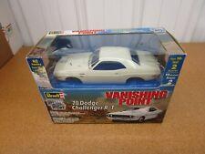 1:25 1970 Dodge Challenger R/T Vanishing Point Revell Metal Model Car Kit