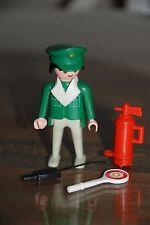 Playmobil 3215 e) policia