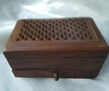 Vintage Antiguo Madera Caja de la baratija Spice Indian perforado con incrustaciones de latón con cajón
