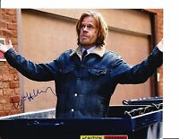SHAMELESS WILLIAM H MACY SIGNED IN DUMPSTER 8X10 FRANK GALLAGHER