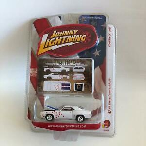 Johnny Lightning Muscle Cars '69 Chevy Camaro RS SS Fourth of July S6