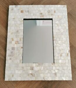 Mosaic Accent Mirror 16x20in Coastal Shell Tiles White Cream Gold GREAT COND.