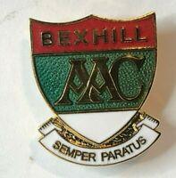 Bexhill Amateur Athletics Club enamel Badge Semper Paratus