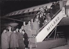 * CALCIO - Foto Milano - L'Inter si imbarca su Aereo Lufthansa