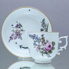 Meissen um 1740: Kaffeetasse mit Holzschnitt Blumen, Tasse, Bechertasse, cup