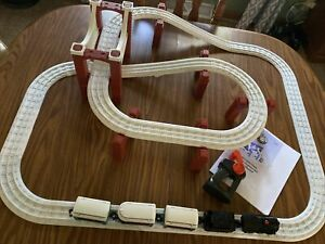 LIONEL The Polar Express Battery Powered RC Little Lines Train Set  - Works!