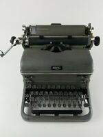 1940s ROYAL KMM TYPEWRITER MAGIC MARGIN ANTIQUE Vintage WITH COVER