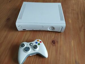 Xbox 360 + 1 manette
