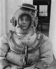Hollywood PHOTO 0282 Buster Keaton deep-sea diver suit