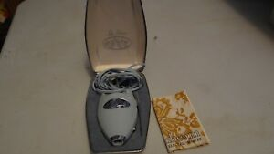 Vintage 60's Lady Sunbeam Electric Razor Works & Lights with case FREE SHIPPING
