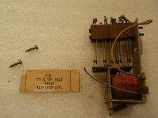 """Chicago Coin Hollywood Pinball #18 """"T"""" & """"R"""" Hole Relay K28-1200 Coil & Switch!"""