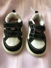 """OP ~ Girls Athletic Shoes """"NAMONI""""Size 4T~ Black / White / Pink  @ toe grow view"""
