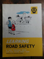 VINTAGE AA CHILDREN'S LEARNING ROAD SAFETY 1960s AUTOMOBILE ASSOCIATION BOOK