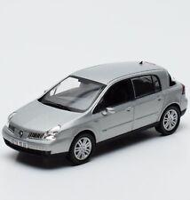 Norev Renault Vel Satis Limousine Bj.2001 in silber lackiert, 1:43 , V010