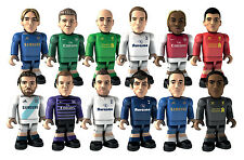 CHARACTER BUILDING SPORTS STARS MICRO-FIGURE SERIES 1 - WILSHERE - ARSENAL AWAY