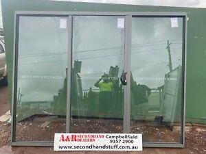 NEW ALUMINIUM SLIDING DOORS 2100h x 2700w [3 Panel] (Approx Size) (5 Colours)