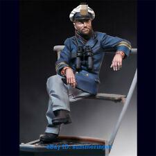 1/18 WWII Soldier Sitting Resin Figure Unpainted Resin Figure Model Kits