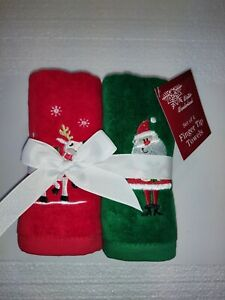 NEW Christmas Fingertip Towels Set of 4 Red Green Embroidered Santa reindeer