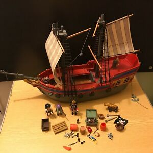 PLAYMOBIL 5135 PIRATE SHIP NOT COMPLETE + PIRATES & ACCESSORIES