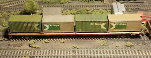 CP 86' CONTAINER CAR W/CONTAINERS HO CAR WEATHERED
