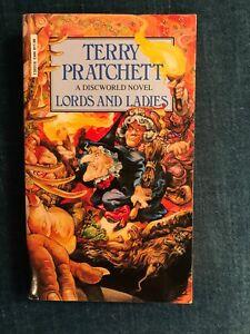 """Terry Pratchett """"Lords and Ladies - A Discworld Novel"""" Taschenbuch auf Englisch"""