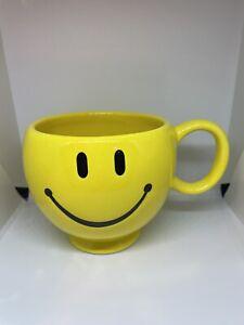 Large Smiley Face Happy Emoji Coffee Cup Yellow Ceramic Mug Teleflora Gift 16 oz