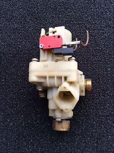 Junkers Wasserschalter ZWR18 / 24 -3 -4 -5 Nr.: 8717002110 0