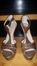 Pour La Victoire Gold Metallic Snake Skin Platform Stilettos Sandals Zip 9 1/2