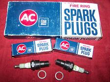 AC Delco 44N Spark Plugs Fire Ring 5612240 NOS 396 427 Corvette Chevelle Impala