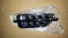 Cadillac Escalade  RH Side Front Fender Moulding Vent Insert OEM 15860254