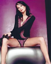 CELEBRITY MODEL LUCY CLARKSON 8X10 COLOR SEXY LINGERIE #7