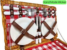 Insulated picnic basket and 4-person place setting