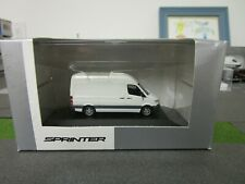 Ho 1/87 Herpa Mercedes Benz Sprinter in Arctic White New In Box