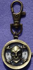 Gürteluhr Taschenuhr Schwesternuhr mit Karabiner in Bronzeoptik Skull Totenkopf