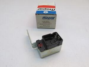 Chrysler Dodge Plymouth OEM AC Compressor Cut Out Relay Mopar 4057999