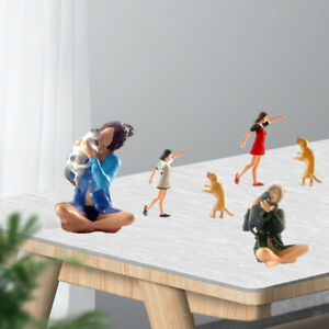 1/64 Scale Painted People Figures Training Pet Character Scene Model S Scale