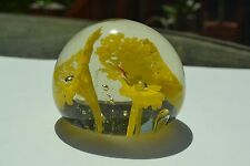 """3 Yellow Flowers w Center Bubble on Small Clear Glass Paperweight, """"India"""", F81"""