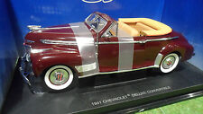 CHEVROLET DELUXE Cabriolet 1941 1/18 UNIVERSAL HOBBIES voiture miniature collect