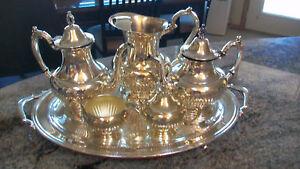 ONEIDA 7 PIECE SILVERPLATED SERVING SET! Coffee Pot, Tea Pot, Sugar, Creamer