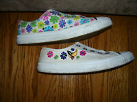 "LOONEY TUNES   Keds  ""DAFFY DUCK""   Womens,  Girls shoes 1993.  SPRING colors"