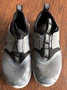Nike Flex Youth Boys Shoes Size 1.5 M Black & Gray Grey Fabric Athletic
