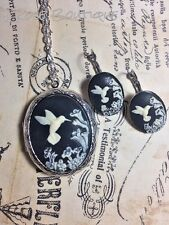 #JRB82417 BLACK Hummingbird Cameo Locket French earring Silver Photo CHRISTMAS