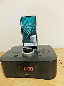 LOGI Tech *  Clock Radio Dock s00117* Radio Wecker Dockingstation ipad iphone