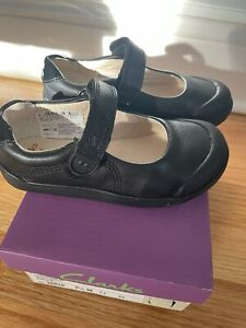 GIRLS CLARKS Black Leather HOOK & LOOP TODDLER MARY JANE CASUAL SHOES SIZE 7.5