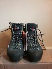 Women's Kayland MXT Hiking/Mountaineering boots Size 8 New, with tags