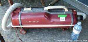 Vintage 60s Electrolux Model ZB88 (Canadian comp. to model G) Canister Vaccuum