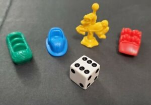 2005 Monopoly Junior - 4 Plastic Pawns & Die ONLY - REPLACEMENT Parts/Pieces