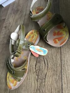 Primigi Ladies Sandals . New . RRP£ 32 . Leather Sandals. Size 4(37)